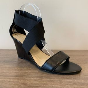 Marc Fisher Black Celia Elastic Strapped Wedges 11